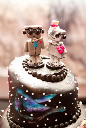 love bots wedding cake topper real wedding photo